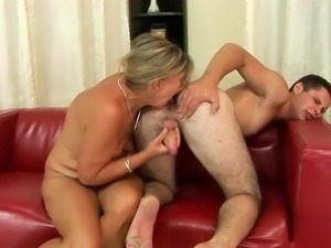 Free older granny sex with small boy xxx video